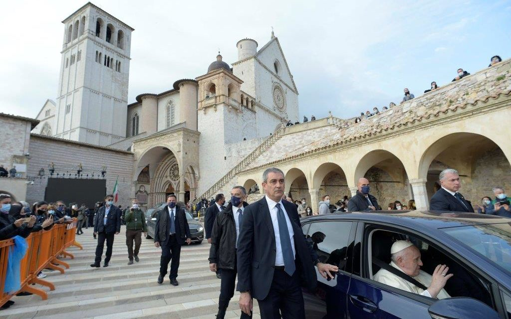 Make the world a better place by recognizing each other as kin, Pope says in 'Fratelli Tutti'